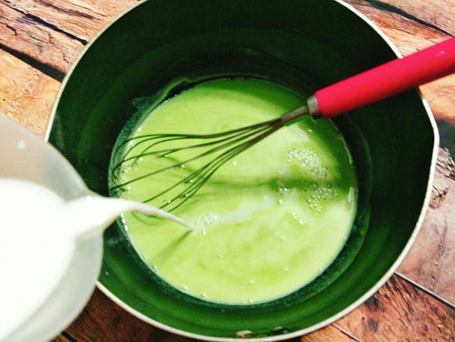 Cách làm sữa chua lá dứa thơm mát cực hấp dẫn cho mùa hè - 4