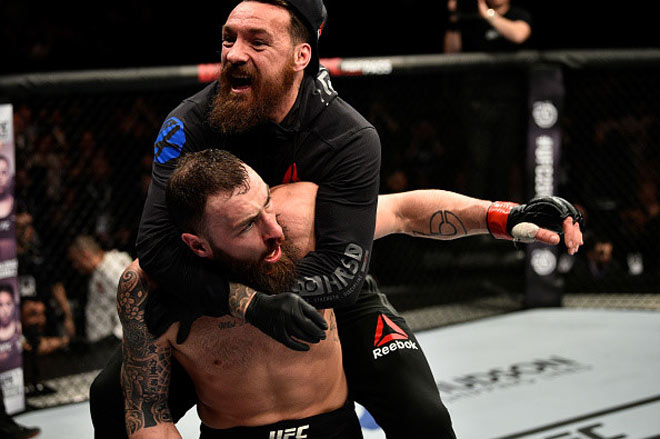 UFC: Sấp mặt cả trận, phản đòn giây cuối thắng hơn 1 tỷ đồng 3