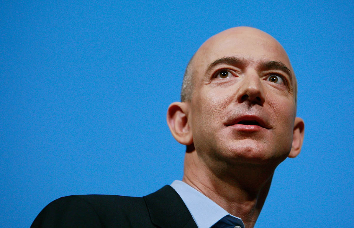 Hành trình làm giàu từ bán sách qua mạng của ông chủ Amazon - 1