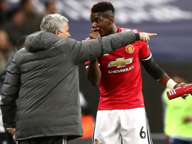 """Phòng thay đồ MU chực """"nổ tung"""": Sếp sòng cảnh báo Mourinho 4"""
