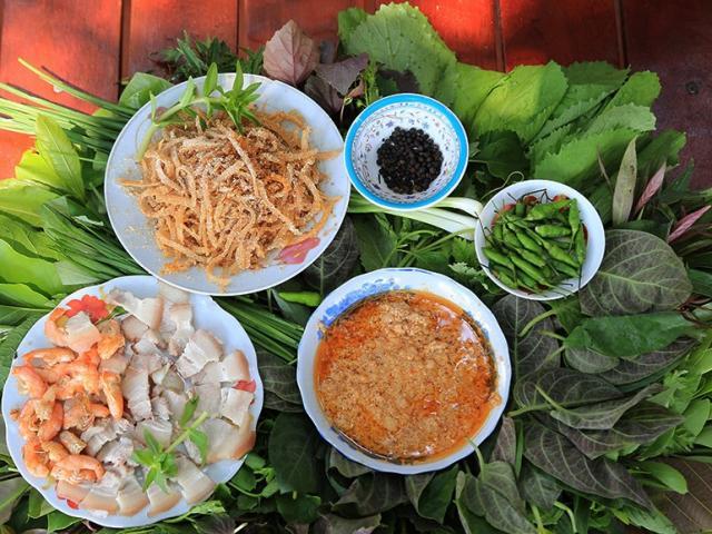 Gỏi lá đặc biệt đậm hương vị núi rừng chỉ có tại Kon Tum