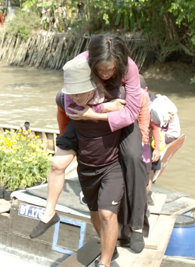 Ngô Thanh Vân gặp tai nạn nứt xương đầu gối khi quay phim hành động