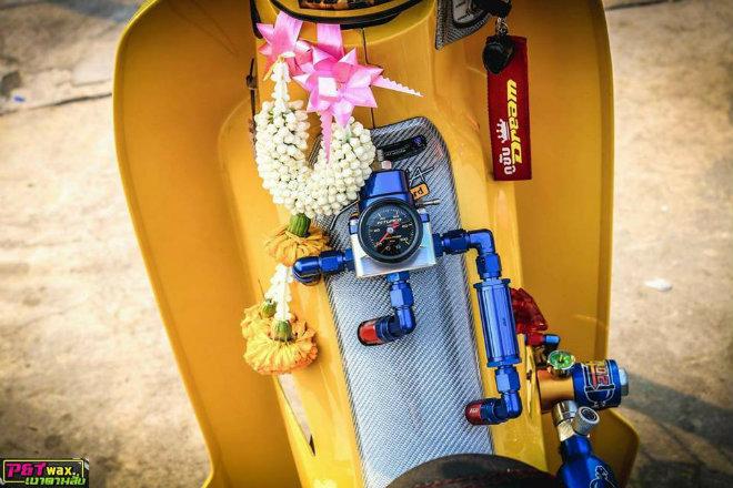 Ngắm Honda Dream độ màu vàng quý tộc rực rỡ - 4