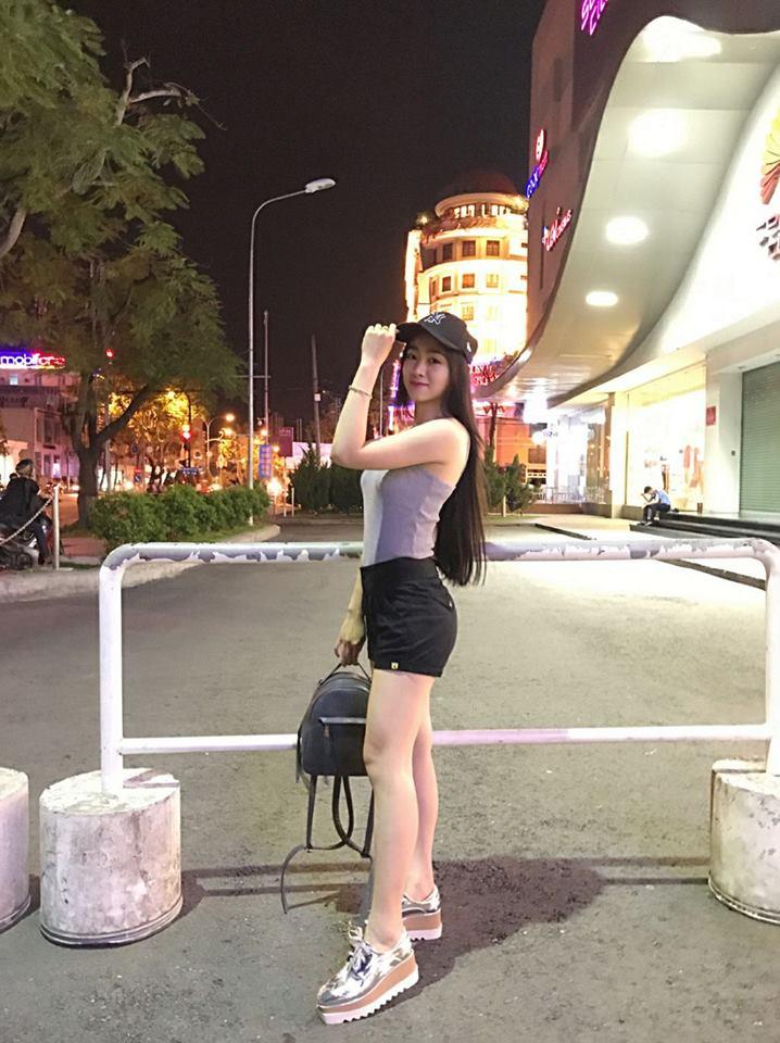 Thời trang của hot girl Cần Thơ khi chạy xe phân khối lớn - 8
