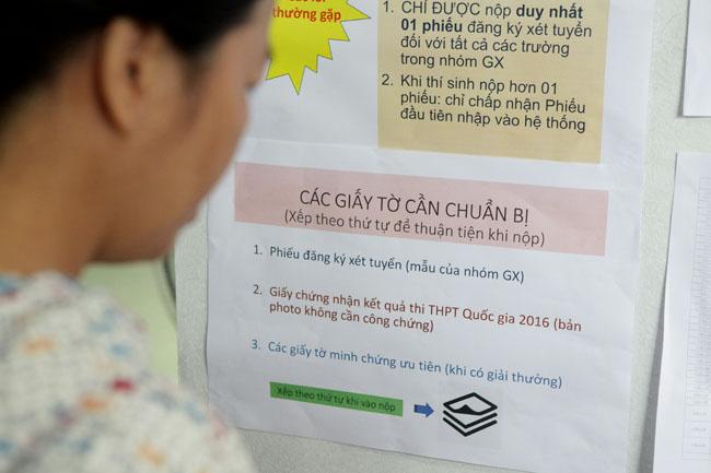 Bộ GD-ĐT thông tin chính thức về tổ hợp môn thi và điểm sàn - 1