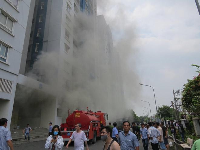 Nóng 24h qua: Bàng hoàng con số thương vong trong vụ cháy chung cư Carina