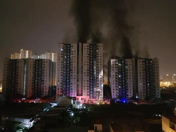 Cháy chung cư quận 8 (TP HCM): Lời kể của nhân chứng