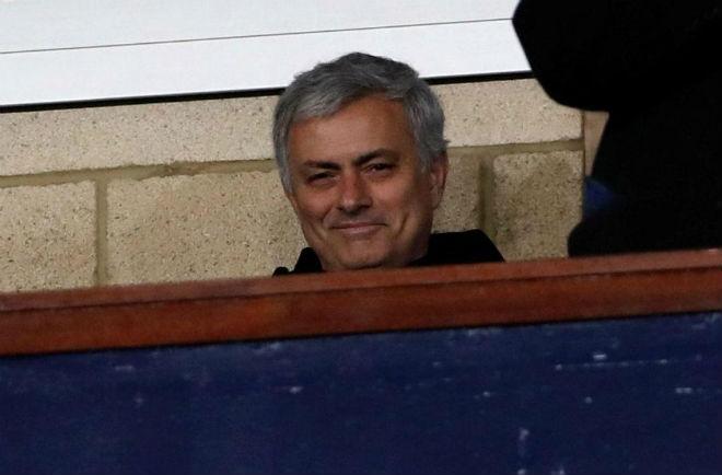 Mourinho lặn lội xem giò SAO trẻ: Pogba đếm ngày rời MU - 1
