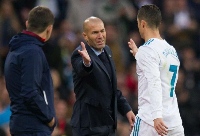 Real đại loạn: Ronaldo, Bale và nhân tố bí ẩn hợp lực lật ghế Zidane