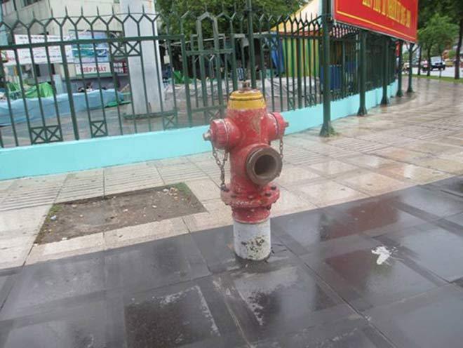 Vì sao gần 700 trụ nước chữa cháy tại TP.HCM không có nước?