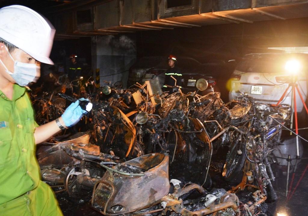 Khởi tố vụ cháy chung cư Carina làm 13 người tử vong - 2