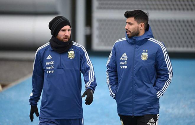 Bom tấn siêu khủng: Messi tái ngộ Neymar, rủ nhau về thành Manchester xưng bá - 1