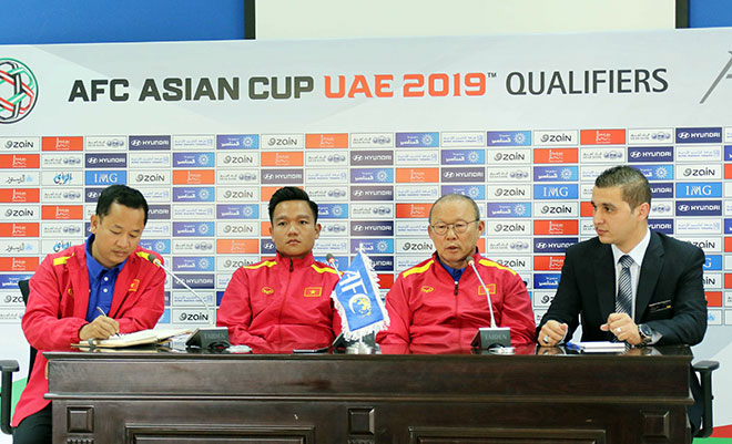 HLV Park Hang Seo: Vượt áp lực U23, ĐT Việt Nam sẵn sàng thắng Jordan - 1