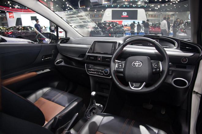 """""""Đàn em"""" của Toyota Innova ra mắt giá hơn 600 triệu - 8"""