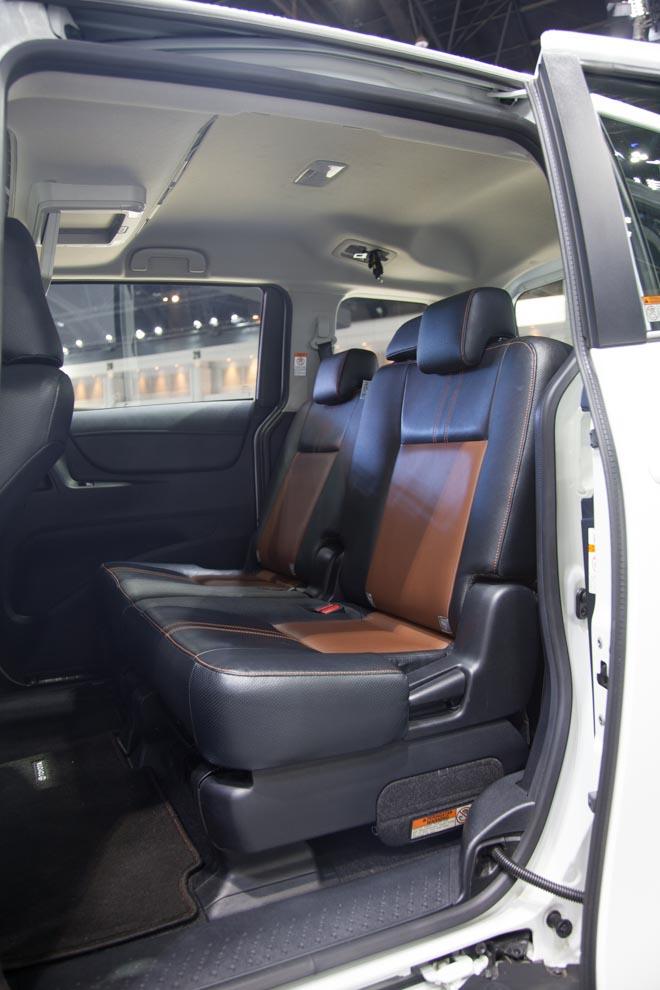 """""""Đàn em"""" của Toyota Innova ra mắt giá hơn 600 triệu - 9"""