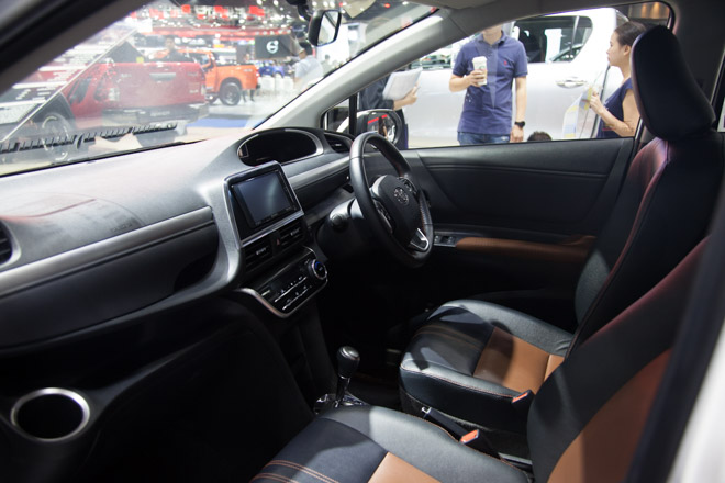 """""""Đàn em"""" của Toyota Innova ra mắt giá hơn 600 triệu - 10"""
