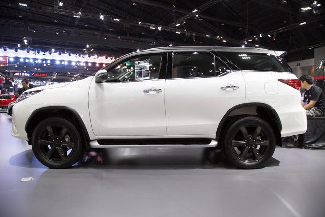 Chiêm ngưỡng Toyota Fortuner TRD Sportivo: Cực ngầu, cực thể thao - 2