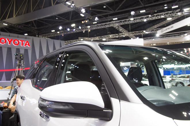 Chiêm ngưỡng Toyota Fortuner TRD Sportivo: Cực ngầu, cực thể thao - 11