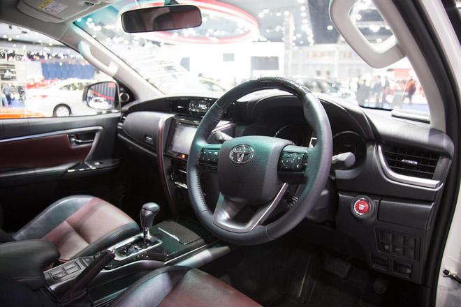 Chiêm ngưỡng Toyota Fortuner TRD Sportivo: Cực ngầu, cực thể thao - 7