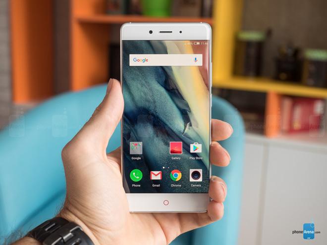 """Đây là 13 smartphone tràn viền """"HOT"""" nhất năm 2018"""