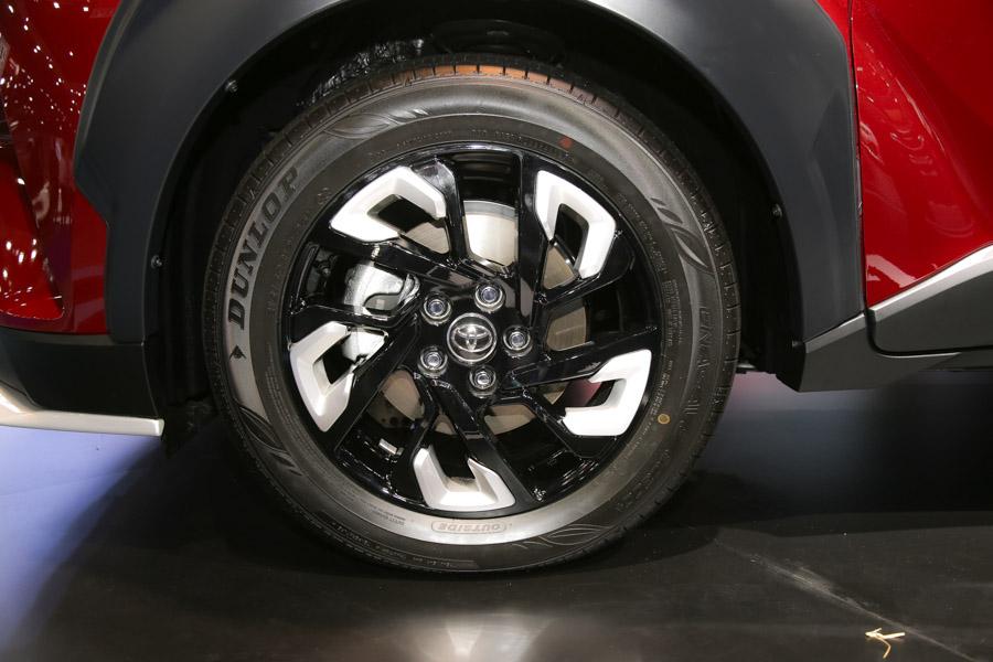 Toyota C-HR phiên bản TRD có giá 984 triệu đồng tại Thái Lan - 6