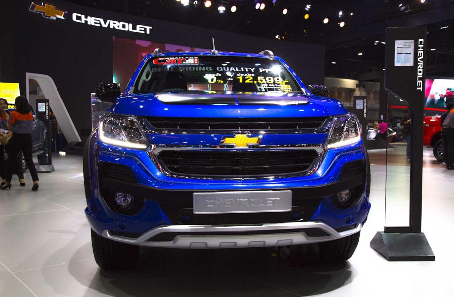 Đối thủ của Toyota Fortuner: Chevrolet Trailblazer LTZ có giá 1,09 tỷ đồng - 1