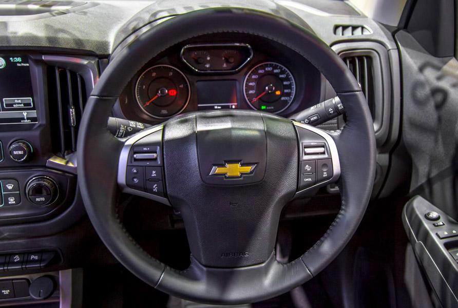 Đối thủ của Toyota Fortuner: Chevrolet Trailblazer LTZ có giá 1,09 tỷ đồng - 13