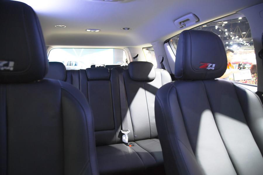 Đối thủ của Toyota Fortuner: Chevrolet Trailblazer LTZ có giá 1,09 tỷ đồng - 16