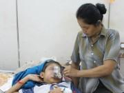 Tin tức trong ngày - Thương tâm bé 12 tuổi bị ăn mòn khuôn mặt vì bệnh lạ