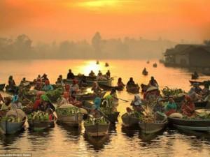 Du lịch - Khám phá chợ nổi trên sông ở Indonesia