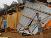 Tin tức trong ngày - Mưa đá ở Nghệ An: Nhiều nhà tốc mái, 5 người bị thương