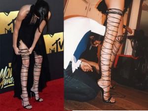 Thời trang - Kendall Jenner vất vả vì đôi sandal sexy, phiền toái
