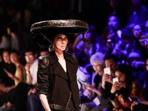 Thời trang - Xuân Lan làm vedette ở Tuần lễ thời trang Thượng Hải