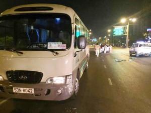 Tin tức trong ngày - Chạy ngược chiều gây tai nạn, tài xế bị dân vây đánh