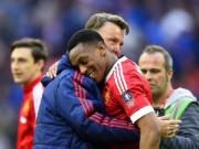 Bóng đá - MU thắng nhọc: Martial bị thử doping, Van Gaal bình thản