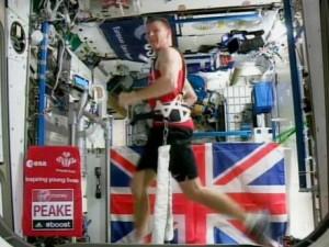 Thế giới - Anh: Phá kỉ lục chạy marathon trên vũ trụ