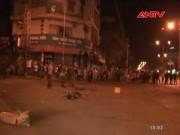 Video An ninh - Clip: Nam thanh niên ôm mìn đứng giữa đường tự tử