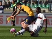 Bóng đá - Verona - Milan: Pha đá phạt thần sầu