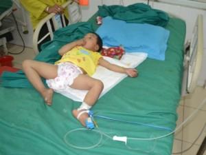 Sức khỏe đời sống - Hà Giang: Bé gái 3 tuổi bị đạn bắn xuyên đầu
