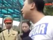 """Video An ninh - Clip: """"Quái xế"""" ngổ ngáo cãi lý, xúc phạm cảnh sát 141"""