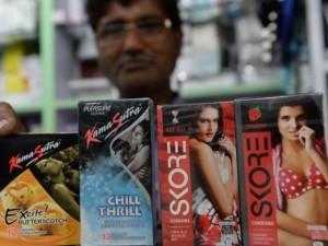 Thế giới - Ấn Độ tranh cãi hình ảnh nhạy cảm in trên bao cao su