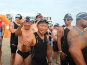 Thể thao - Cụ ông U80 đạp xe 90km so tài trai trẻ ở Ironman 70.3