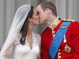 Thời trang - 7 bộ váy cưới hoàng gia xa xỉ nhất hành tinh