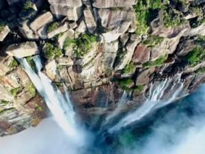 Du lịch - Video: Ngắm thác cao nhất thế giới từ flycam