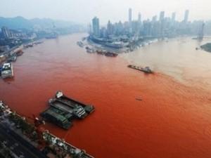Phi thường - kỳ quặc - Hoảng hốt với những dòng sông bất ngờ hóa đỏ
