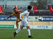 Bóng đá - Tiền đạo Văn Toàn bị cảnh cáo sau sự cố với trọng tài