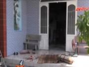 """Video An ninh - """"Nghịch tử"""" cắt cổ cha ruột và bà nội rồi tự thiêu"""