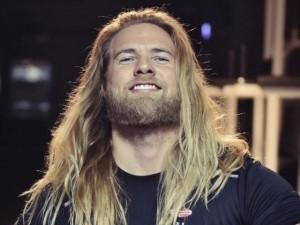 """Phi thường - kỳ quặc - Ngỡ ngàng với """"Nam thần Thor"""" siêu quyến rũ ngoài đời thực"""