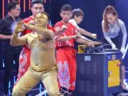 Thể thao - Song đấu: Võ sư kungfu đấu Hoa hậu bikini