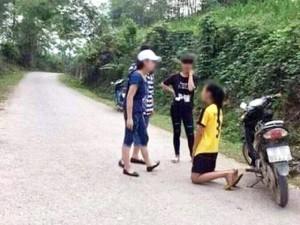 Giáo dục - du học - Nữ sinh đánh bạn, bắt quỳ xin lỗi vì ghen tuông?